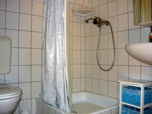 Dália szoba - fürdő2