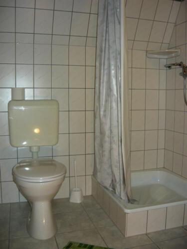 Gyöngyvirág családi szoba - fürdő