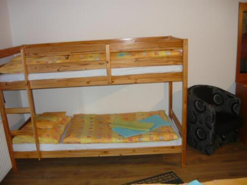 Labdarózsa családi szoba - emeletes ágy