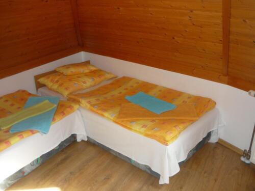 Labdarózsa családi szoba - hálószoba3
