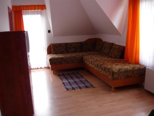 Liliom apartman - sarokkanapé2