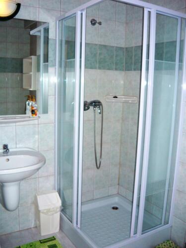 Margaréta szoba - zuhanykabin